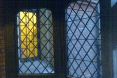 stained-glass-hampton-court-2