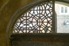 stained-glass-hampton-court-5
